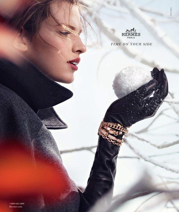 реклама на снегу фото сконвертировать изображение