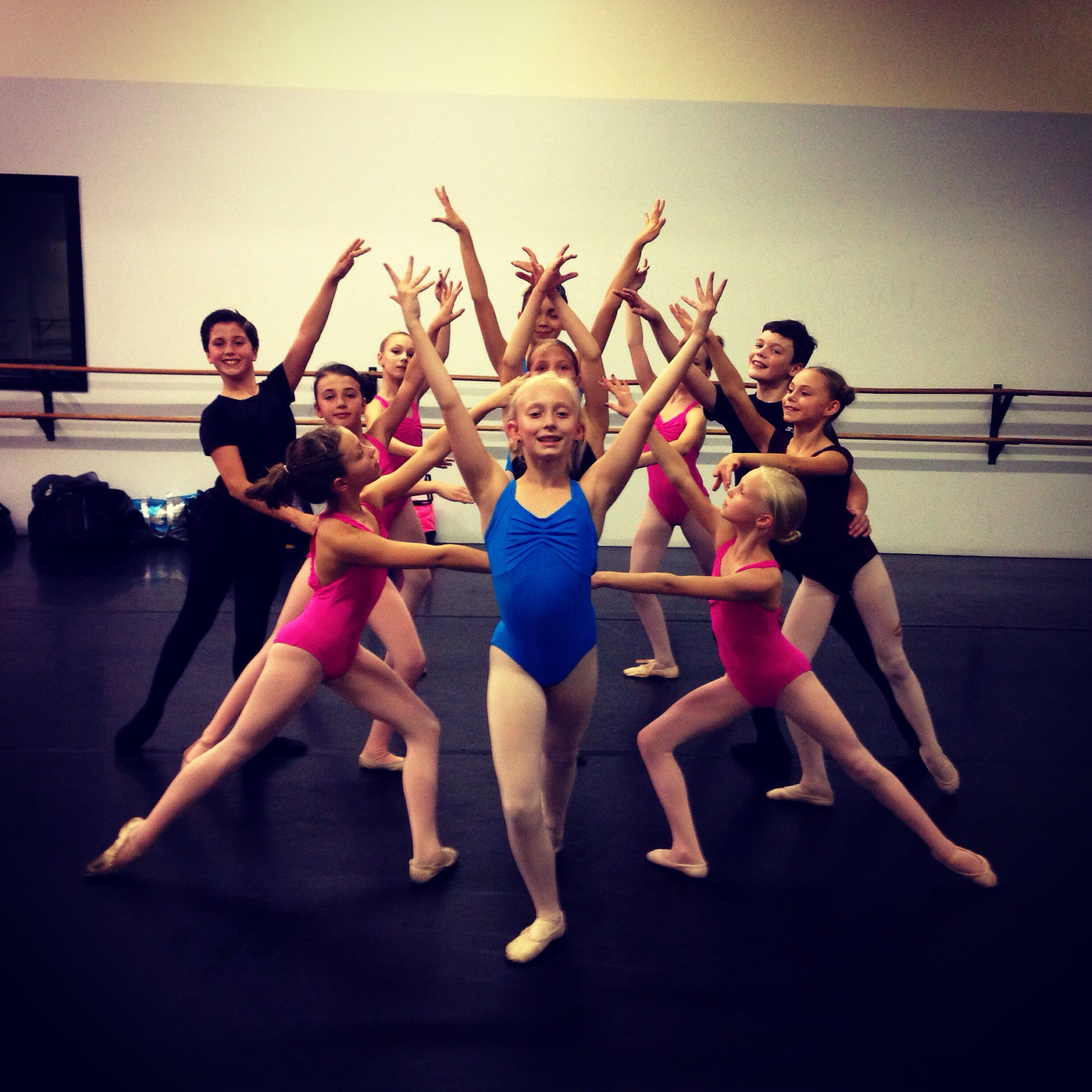 Having A Great Time Creating New Contemporary Ballet Work Today In Salt Lake City On These Lovely Young Dancers Fr Contemporary Ballet La Dance Performance Art