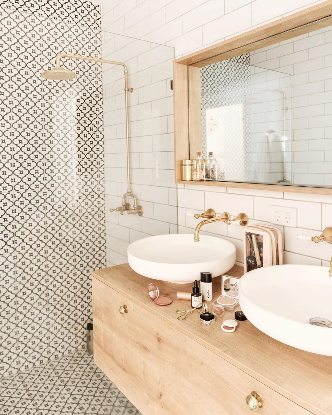 Jasmine Dowling On Instagram I Recently Went Through My Makeup Drawer Took Out My Cream Liquid Face Bathroom Interior Bathroom Inspiration Bathroom Design