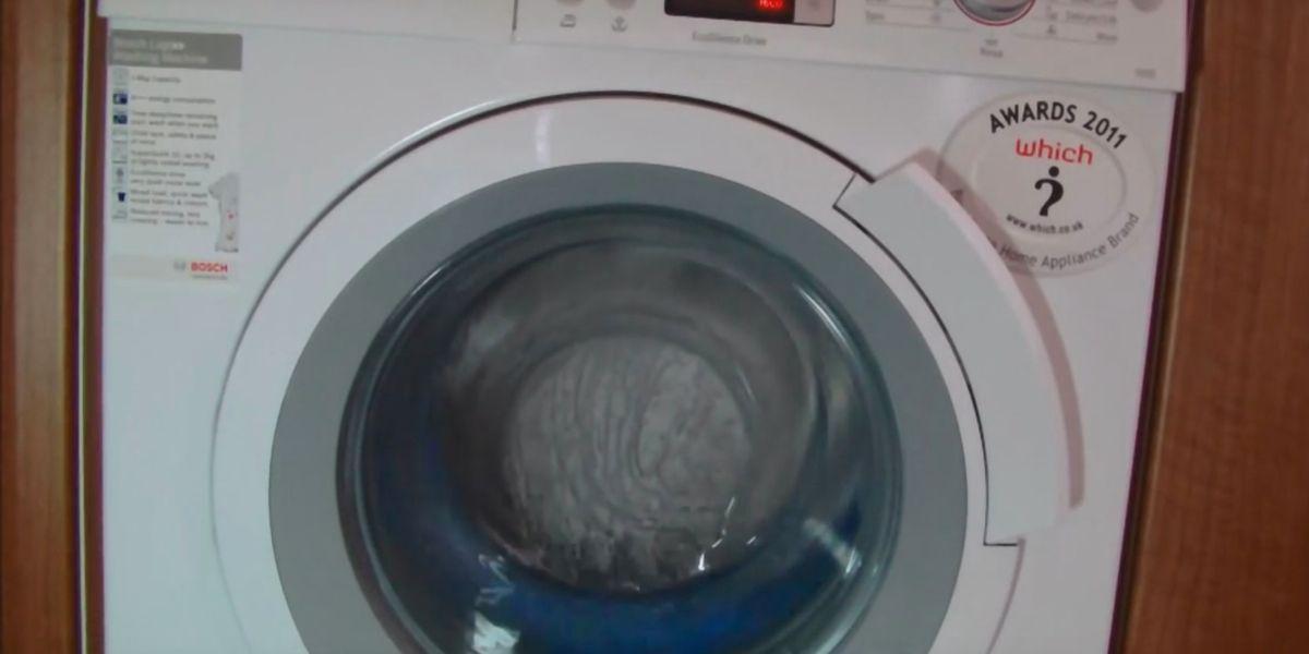 Waschmaschine Geruch waschmaschine gerüche entfernen 1 2 tassen bleichmittel bei 90 c