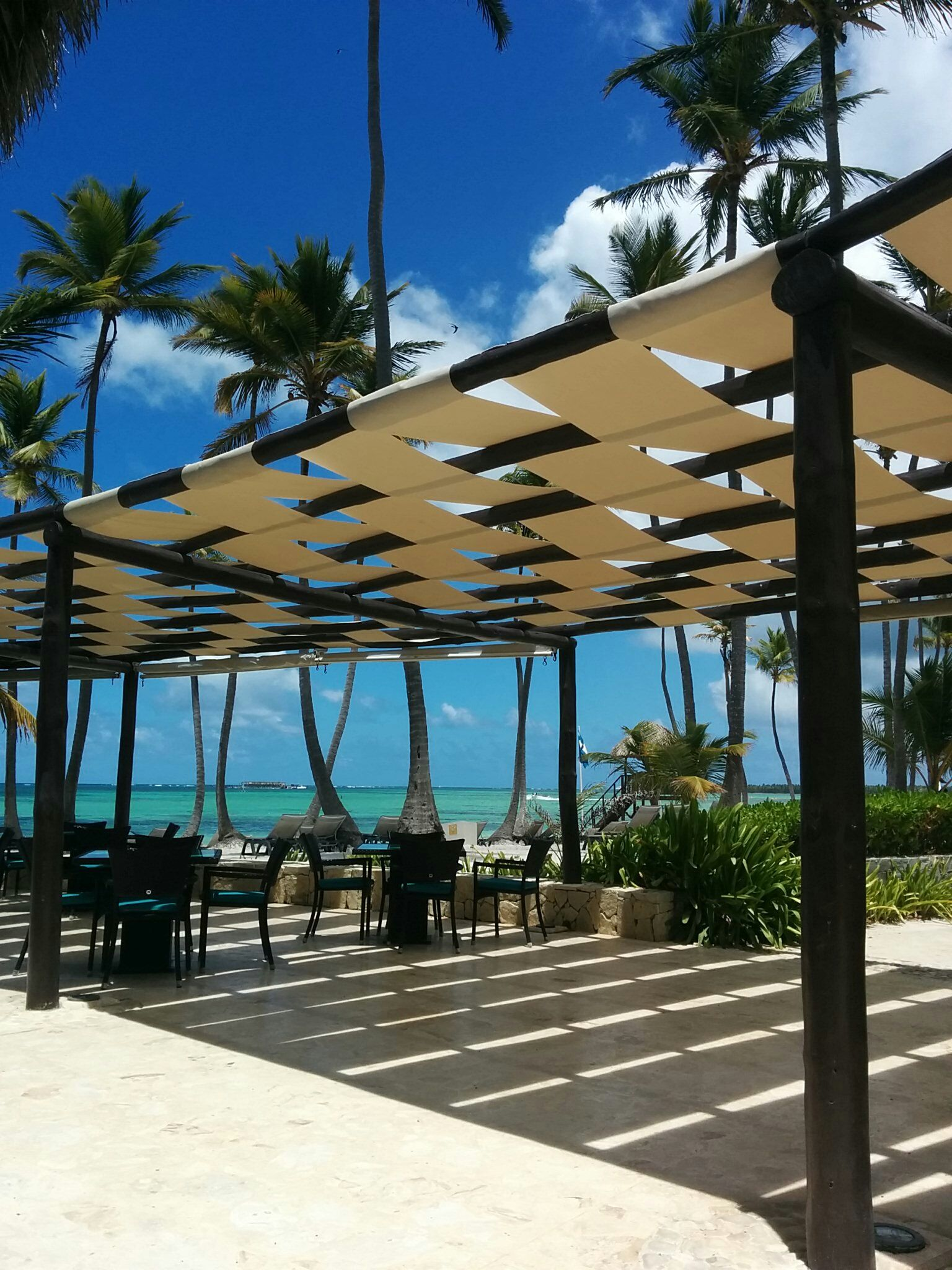 another way to do shade sails on a wooden frame shade sails