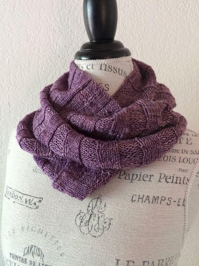 Crabapple Cowl Free Knitting Pattern (NobleKnits Knitting Blog ...