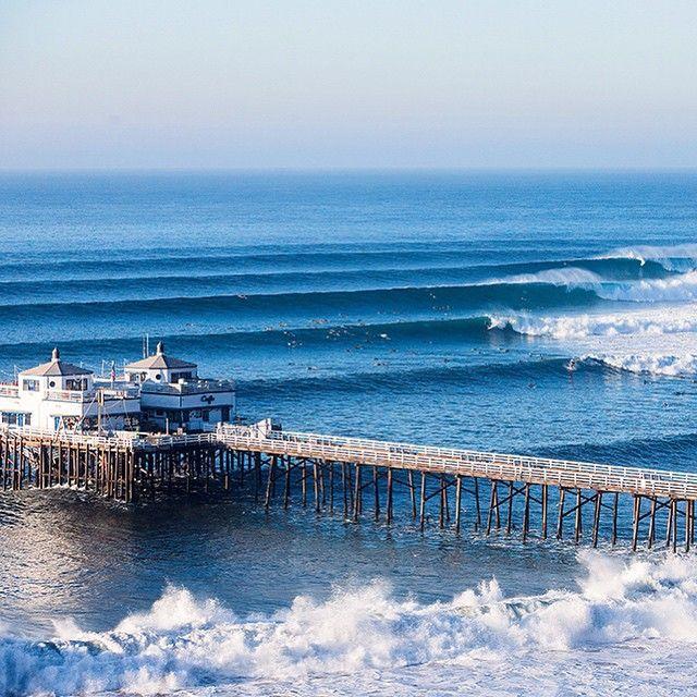 Photo Of The Day Malibu California Photo Bryce Lowe White Surfer Surferphotos California Surfer Surfer Magazine Surfing