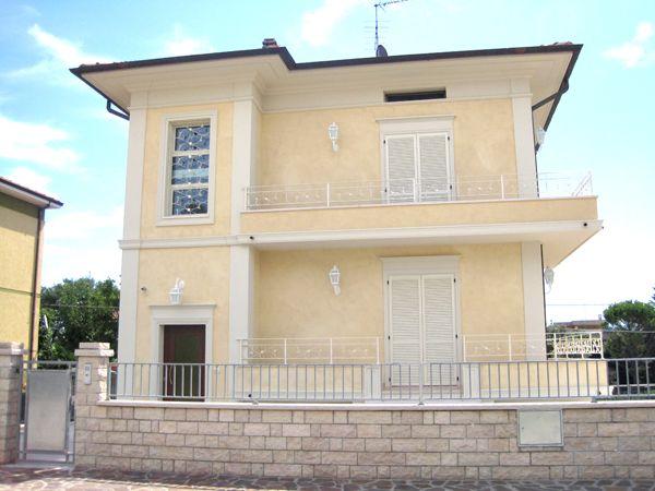 Risultati immagini per pittura esterna casa moderna home - Pittura esterna casa ...