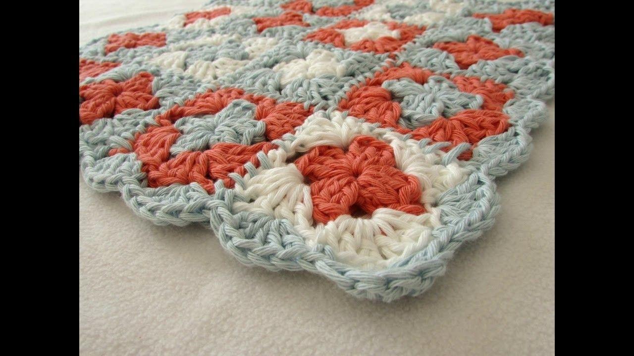 How to crochet a BEGINNER\'S mini granny square blanket