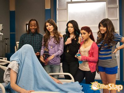 """Ariana in the series""""Victorious"""" 82/182"""