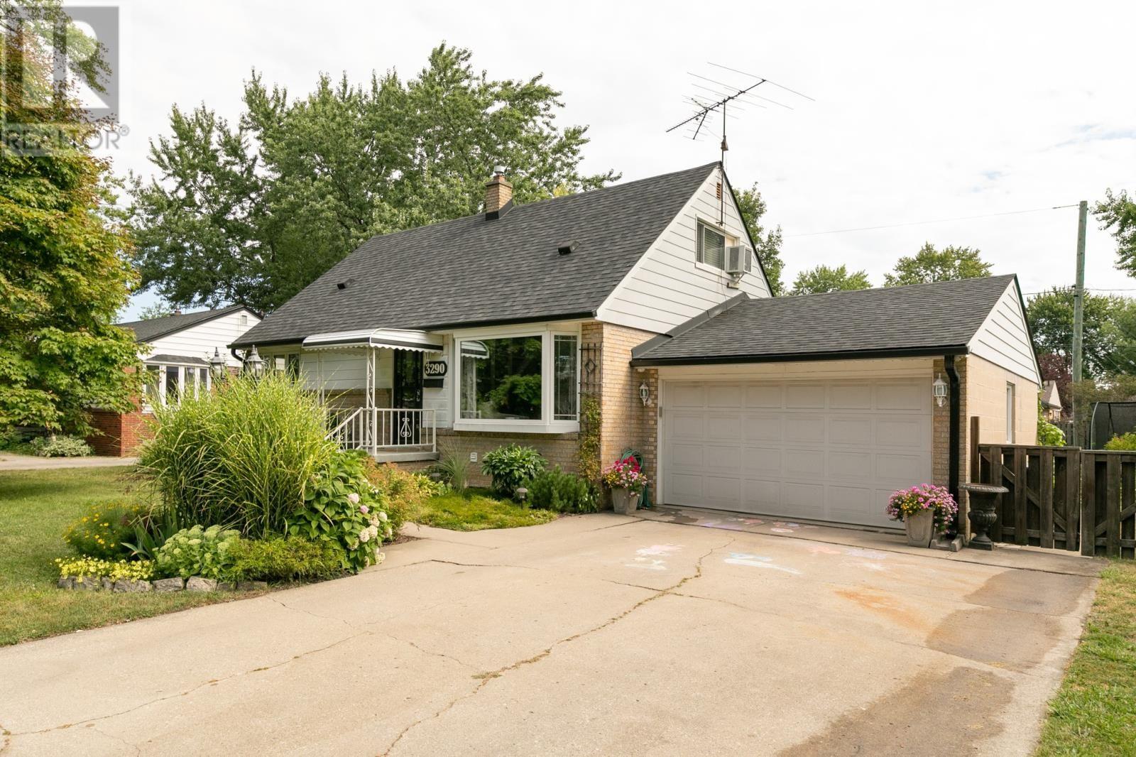 3290 DANDURAND 329,900.00 Windsor house, Home buying
