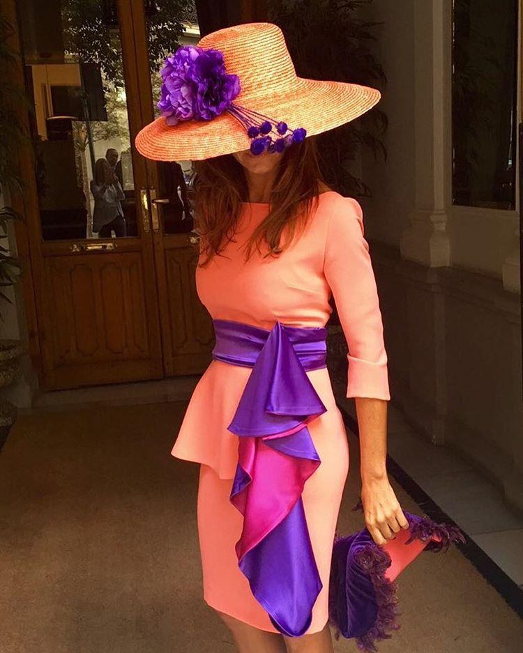 Estilazo! Mi gran amiga, en la boda de un primo.  #boda #hermananovia  #alquileryventa #bygitano #invitadas perfectas #conchitasaiz #madrina #fiesta #eventos #alquilerdetocados #invitadaperfecta