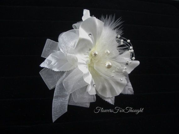 Wedding corsage with pearls and feathers white flower wrist winter wedding corsage with pearls and feathers white flower wrist winter wedding prom mightylinksfo