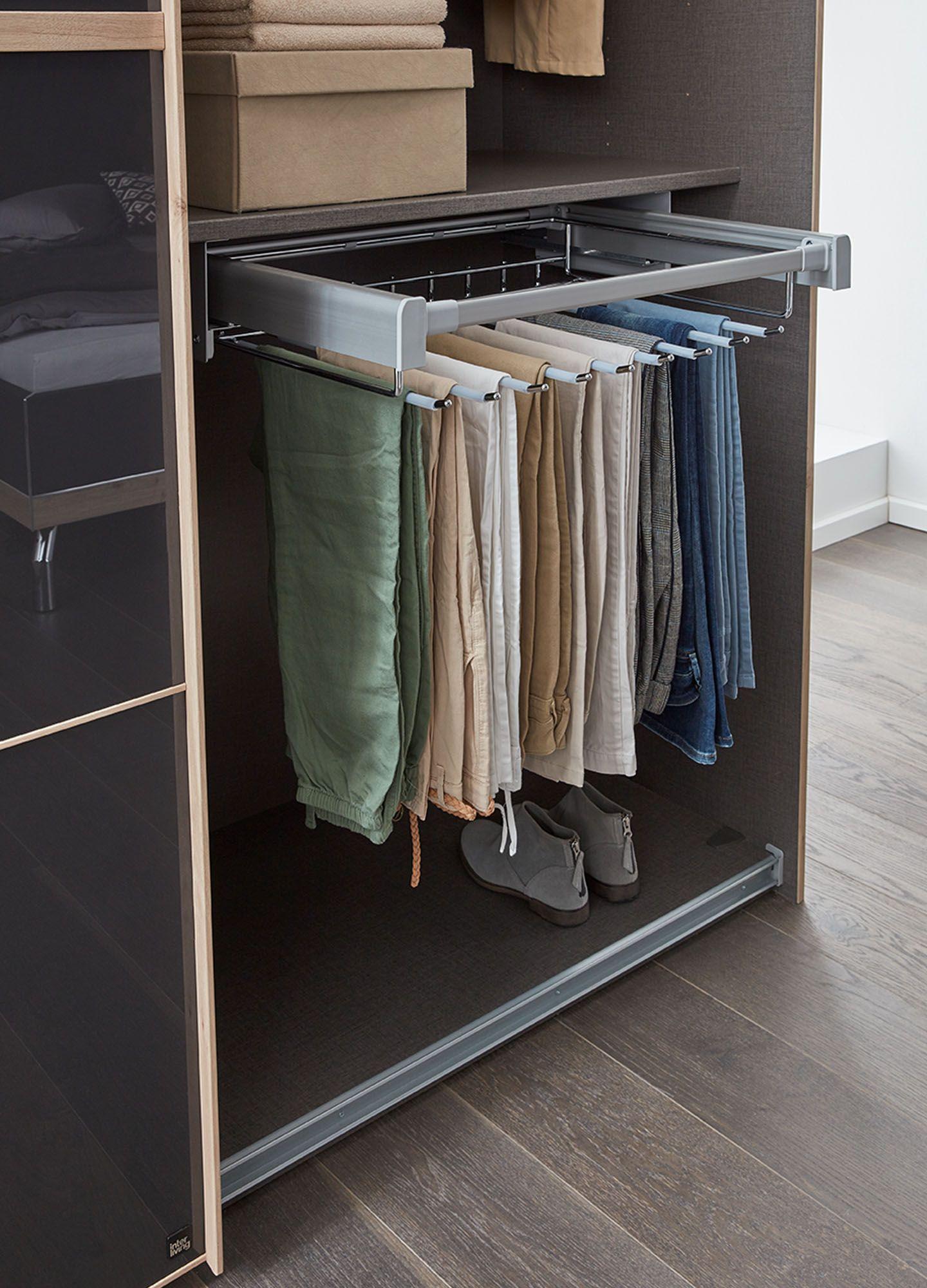 Hosenhalter im Kleiderschrank  Wohnzimmerschränke, Schrank
