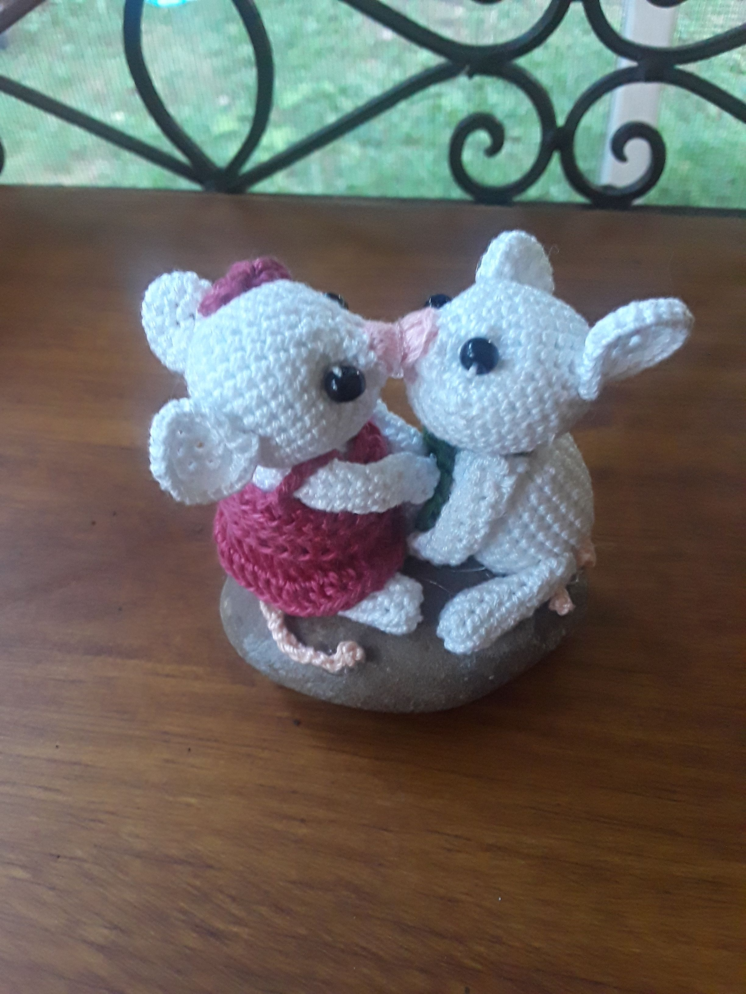 Crochet Kissing Mice Collectible Pattern Only Crochet