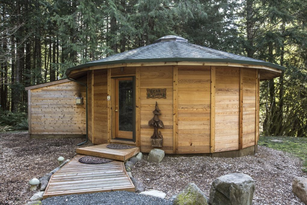Cabin Near Mt Rainier: The Bear Cabin Is The Newest Of The Multi Sided,  Yurt Like Cedar Units For Rent At Stormking Spa And Cabins.
