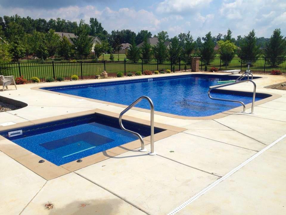 True L Shaped Inground Pool With Tanning Ledge And Inground Square Spa Pool Patio Tanning Ledges Inground Pools