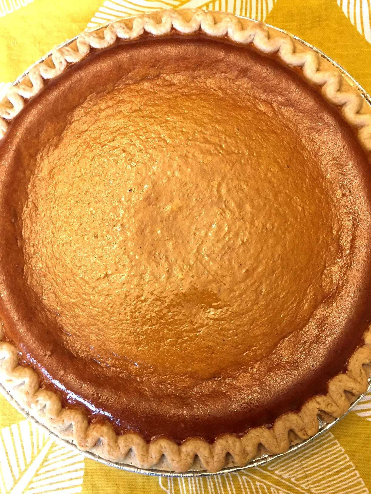 Easy Pumpkin Pie Recipe With Sweetened Condensed Milk Recipe In 2020 Pumpkin Pie Recipe Easy Pumpkin Pie Recipe Homemade Sweet Potato Pie