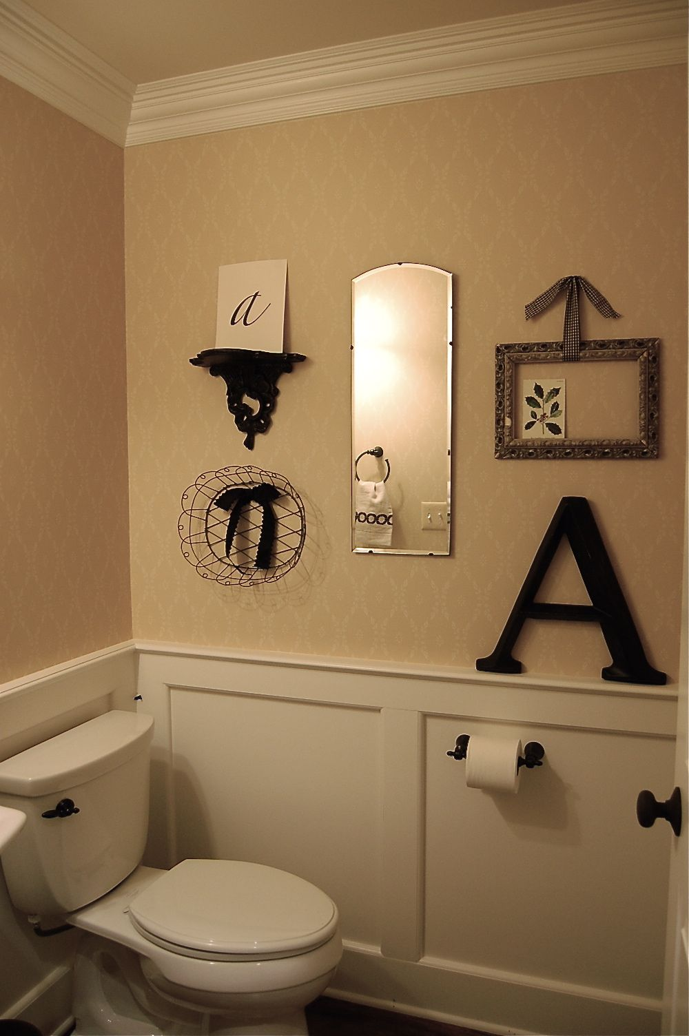 Way Cute Idea This With G Instead Of A S May Be Are Spare Bathroom Or Half Bath Decor When We Move