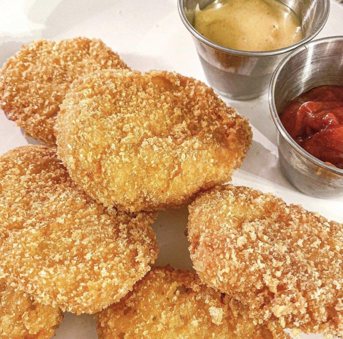KETO CHICKEN NUGGETS in 2020 Low carb chicken, Keto