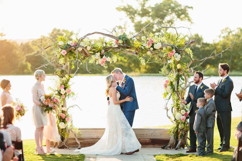 Taylor + Travis Wedding wire, Diy wedding decorations