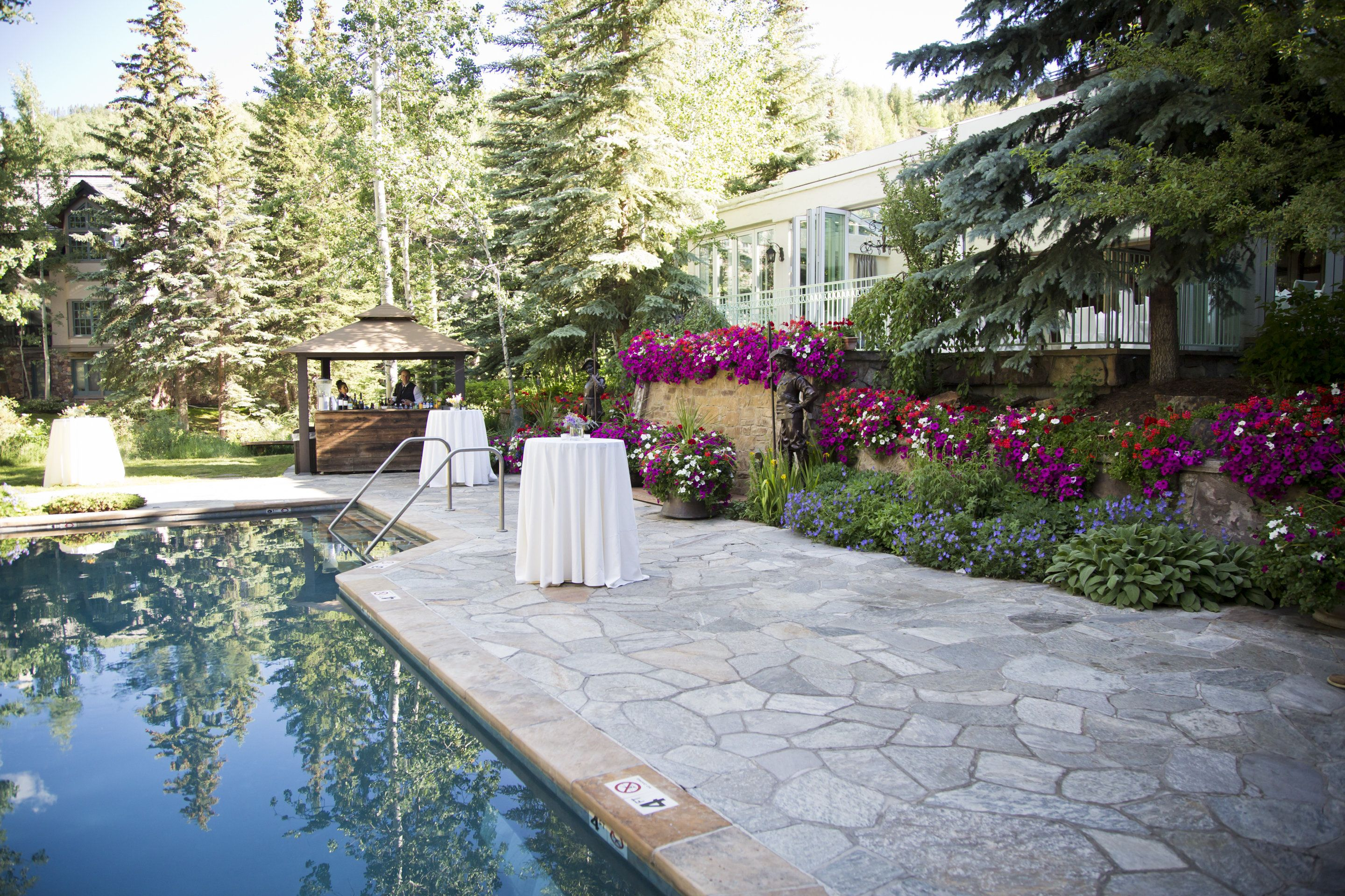 Poolside Cocktail Reception In Vail At The Sonnenalp Hotel Luxury Resort Hotels Vail Hotels Luxury Resort