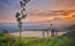 15 Tempat Wisata Paling Hits Nan Instagramable Di Gunung Kidul Selain Pantai Pantai Tempat Pegunungan