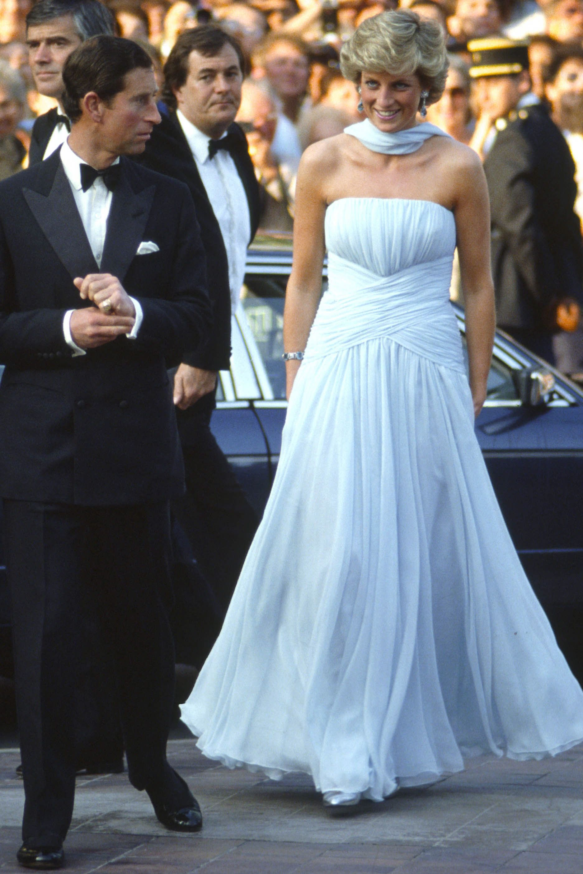 Princess Diana\'s 40 Most Amazing Gowns | Pinterest | Diana, Grace ...