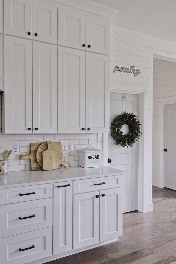 kitchen cabinet hardware in 2020 modern kitchen cabinets farmhouse kitchen cabinets cabinet on farmhouse kitchen hardware id=30440