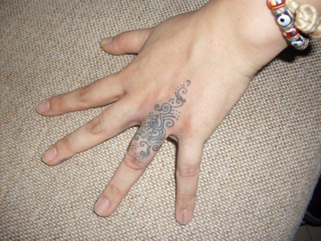 tribal-tattoo-on-finger-ft153 1,024×768 pixels | tattoo