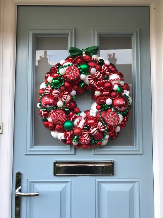 Bauble wreath - 'Candy-land'