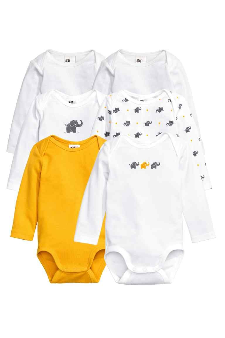 Long-sleeved bodysuits in soft organic cotton jersey with press-studs at  the crotch. 92255392b40