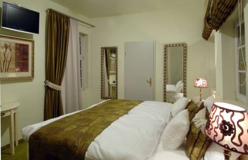 zur goldenen krone ladenburg set in the heart of ladenburgs historic old town this hotel offers modern rooms with elegant dcor and a flat screen tv