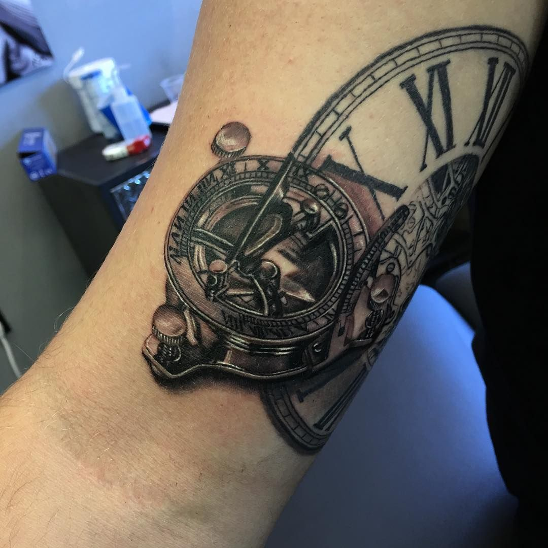 half sleeve in progress this tiny sundial compass piece took me about 9 hours to do yesterday. Black Bedroom Furniture Sets. Home Design Ideas