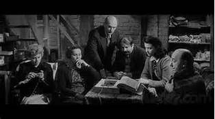 The Diary Of Anne Frank 1959 Shelley Winters As Mrs Petronella Van Daan Gusti Huber As Mrs Edith Frank Joseph Sch Anne Frank Margot Frank Shelley Winters