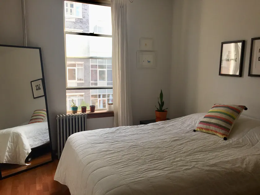 Listing For A Rooms For Rent In New York City Posted On 2020 02 26 In 2020 Rooms For Rent Williamsburg Apartment Nyc Real Estate