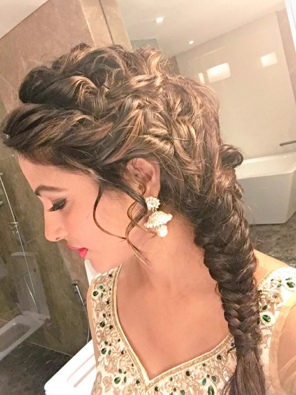 contemporary hairstyle perfect for the reception night