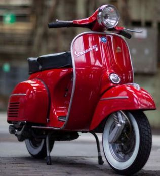 red vespa girl scooters with photos 114 四重人格 pinterest