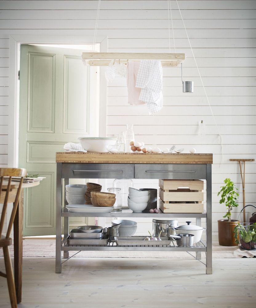 De Nieuwe Werkbank Voor De Keuken Van Roestvrij Staal En Bamboe