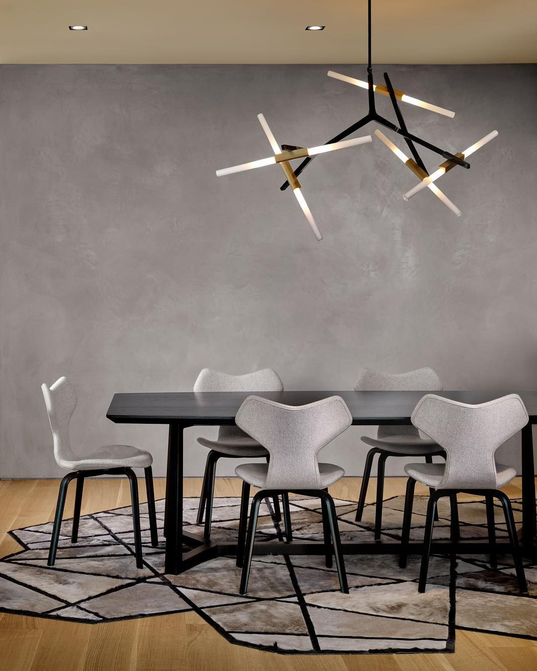Replica agnes chandelier 10 bulbs with hammer chair by arne zora lighting is premium lighting store specialise in lindsey adelman replica arubaitofo Choice Image