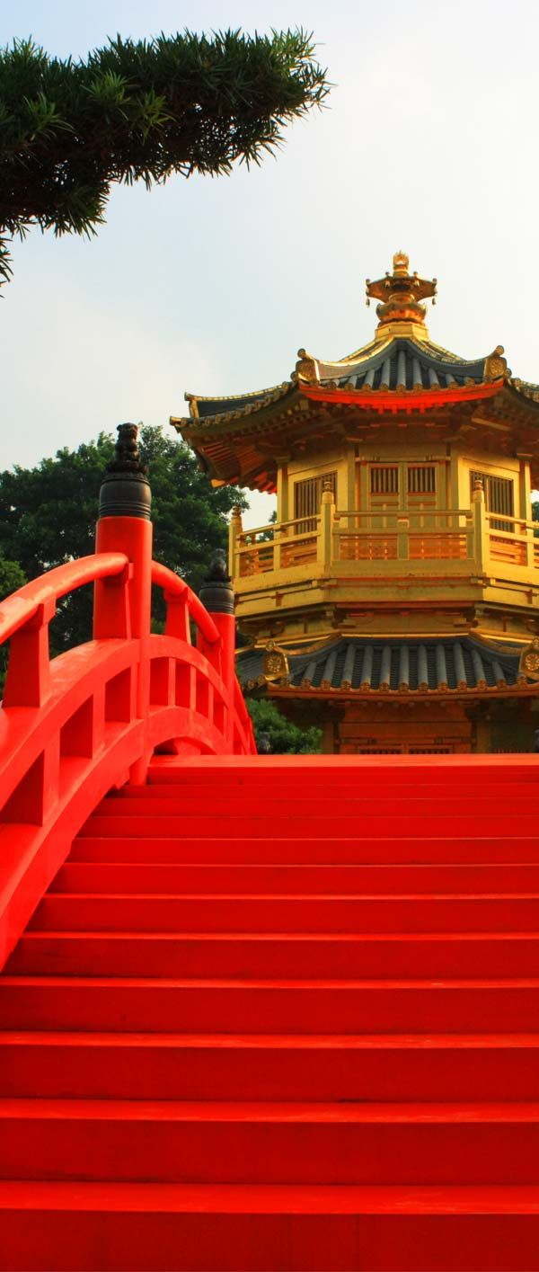 Bright vibrant reds in Hong Kong! Plan your dream trip to