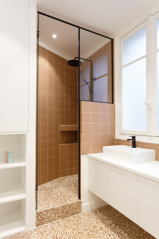 Salle De Bain Saumon une salle de bain tout en couleur avec des touches saumons