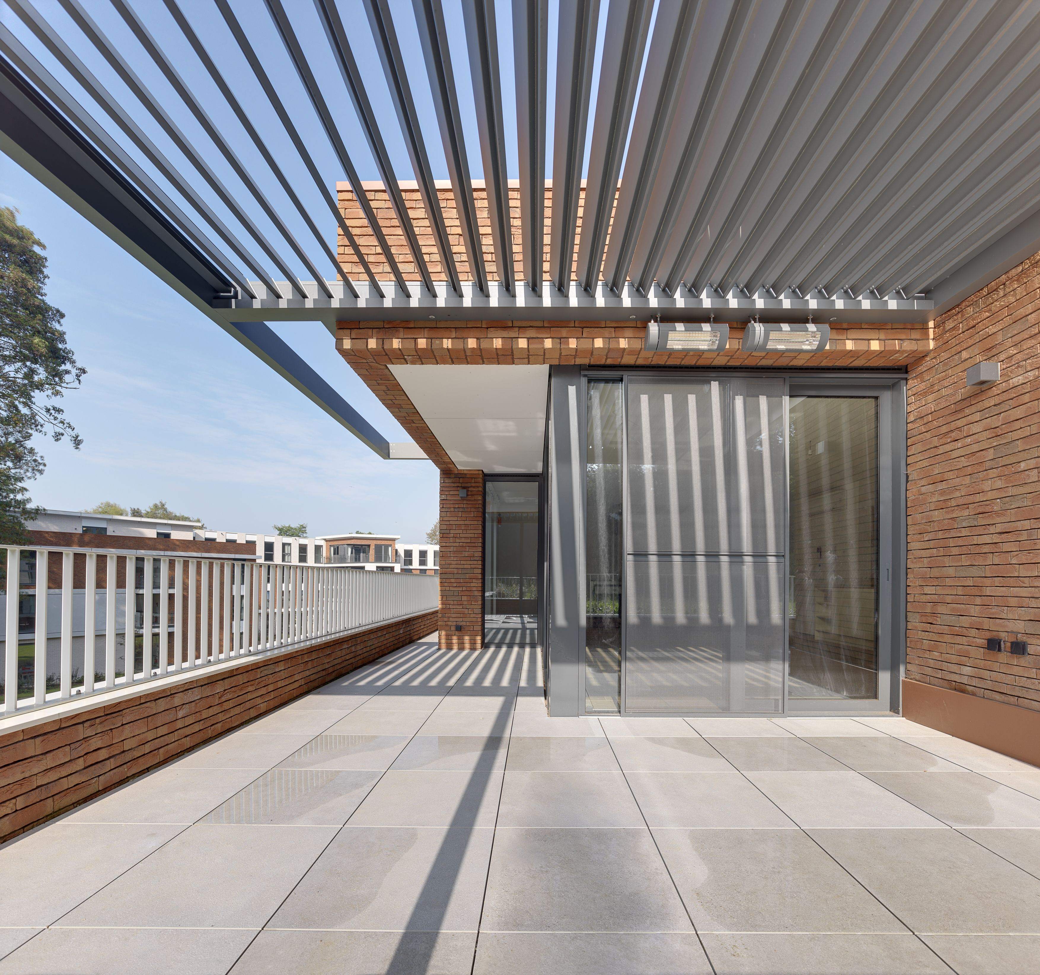 Iq Installed An Integrated Umbris Louvre Roof Onto The Terrace