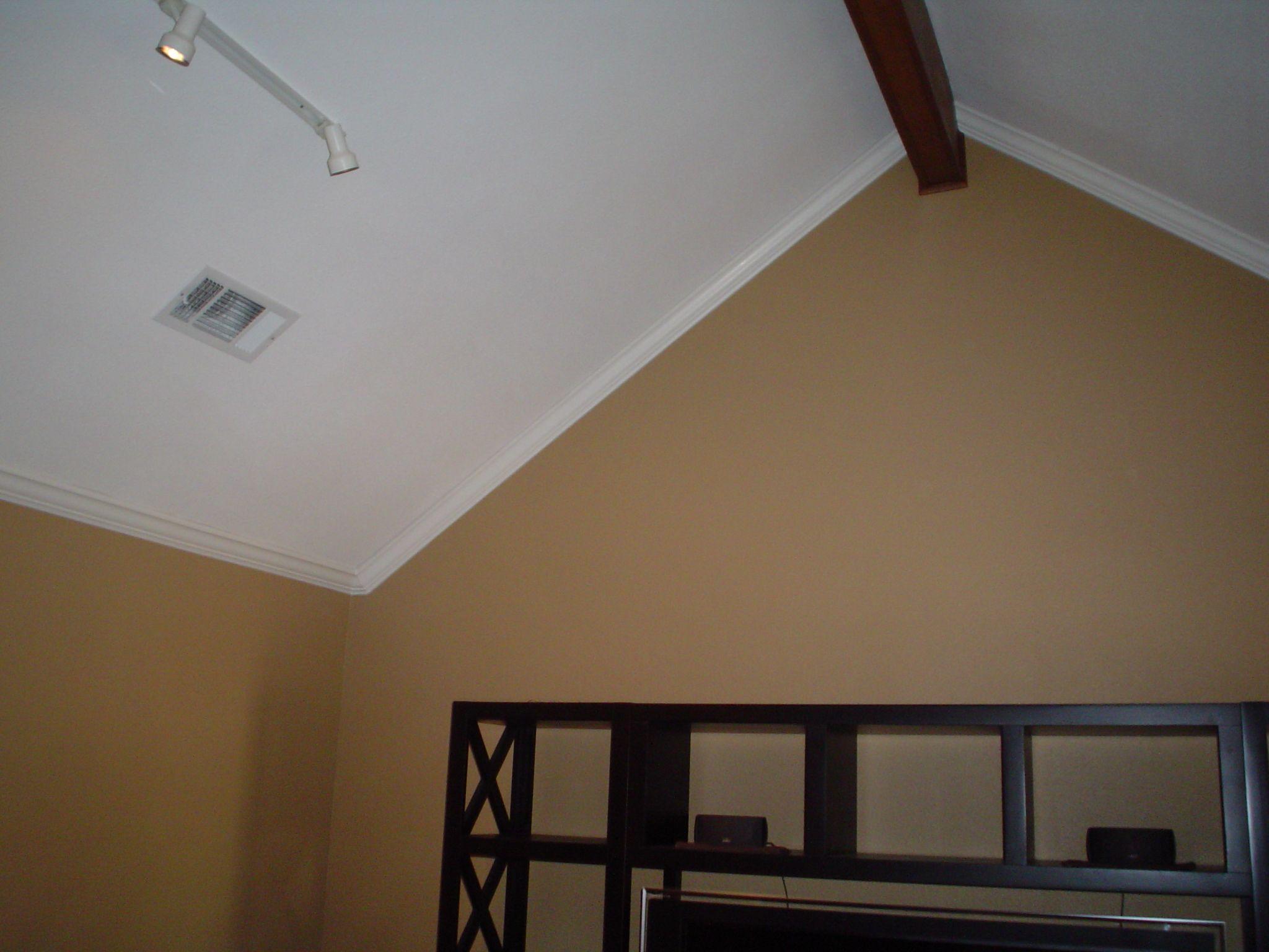 Dsc00561 Jpg 2 048 1 536 Pixels Redecorate Living Room Crown