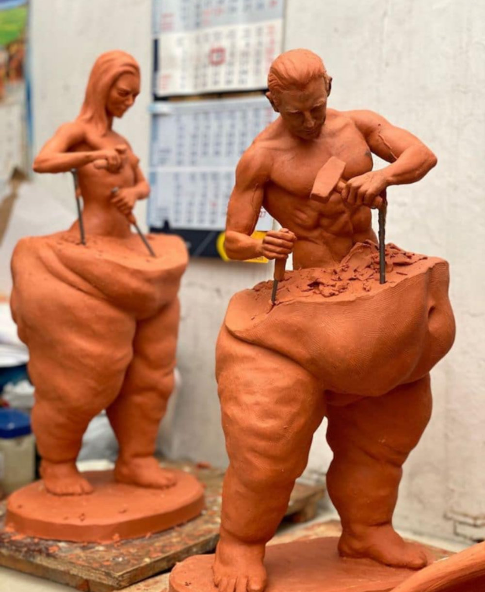 """This things are now in my """"Interesting"""" folder on the phone in 2021   Mexican artists, Sculptures, Figurative sculpture"""