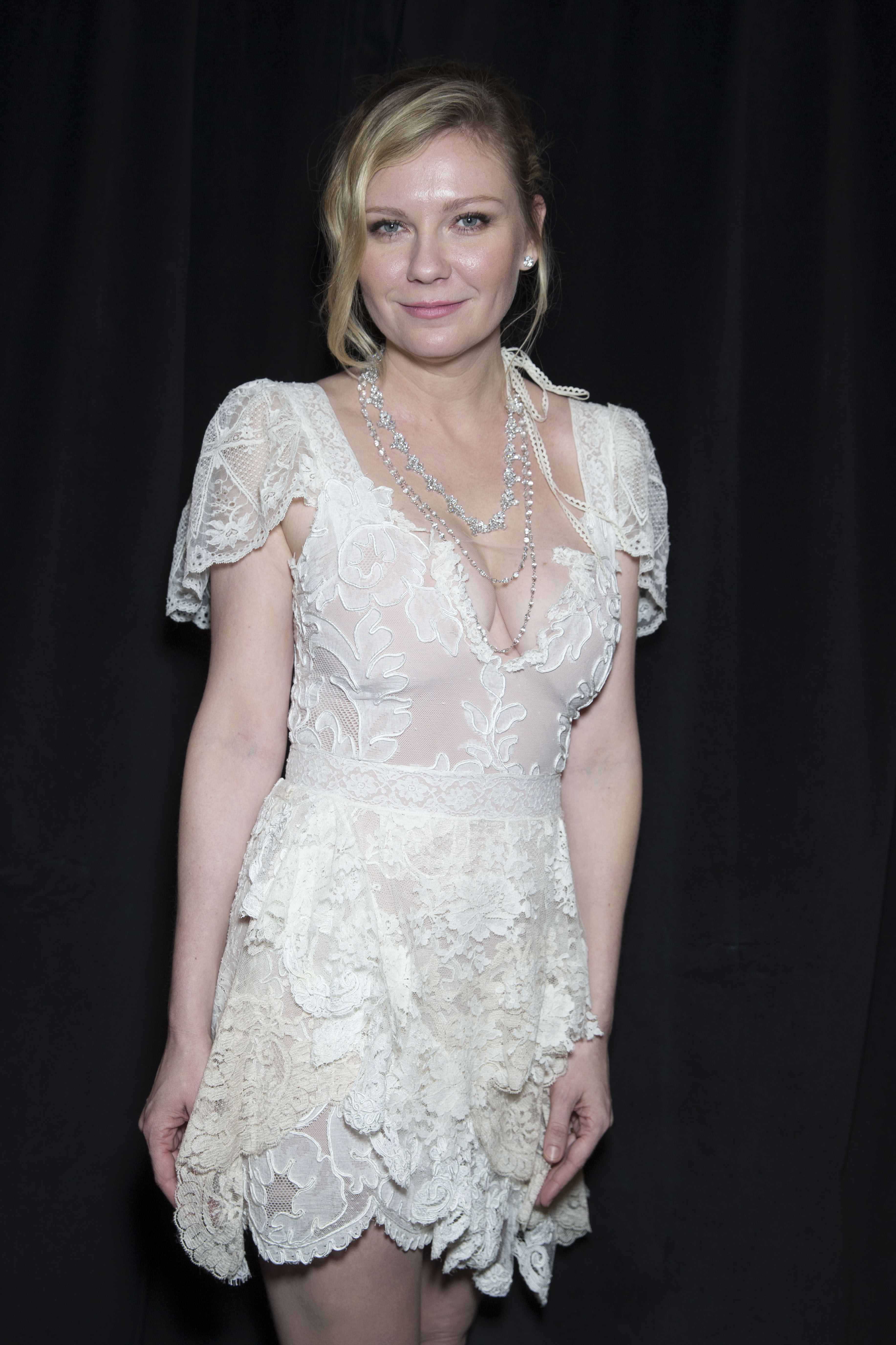 Kirsten dunst old lady tits
