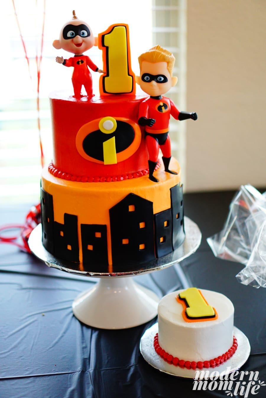 10 of the Best Incredibles Party Items Incredibles
