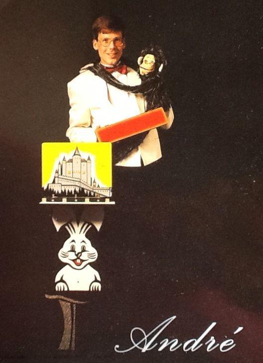 Promotiefoto van buikspreker en goochelaar Aarnoud Agricola aan het begin van de jaren negentig.