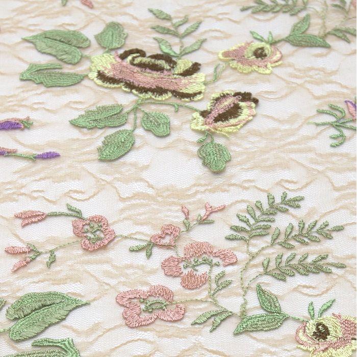 Tecido tule bordado nude flores rose/roxo
