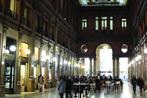 galleria alberto sordi-overdekt winkels -rome