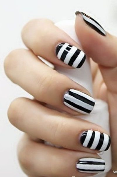 Love these graphic black & white striped nails!