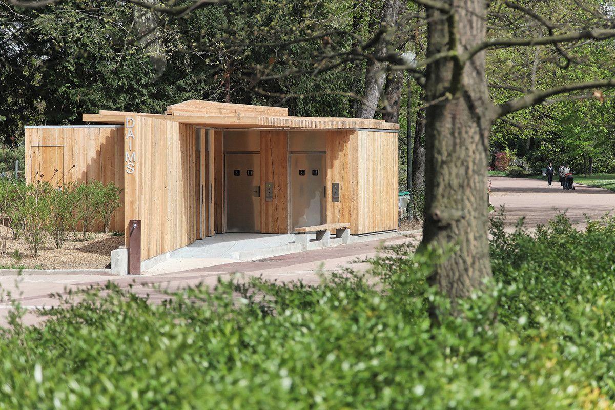 Gallery Of Public Toilets In The Tete D Or Park Jacky Suchail Architects 2 Arquitectura De Banos Banos Publicos Imagenes De Banos