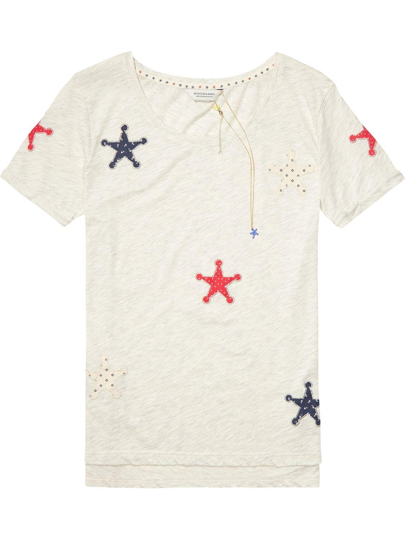 Camiseta con parches de estrellas