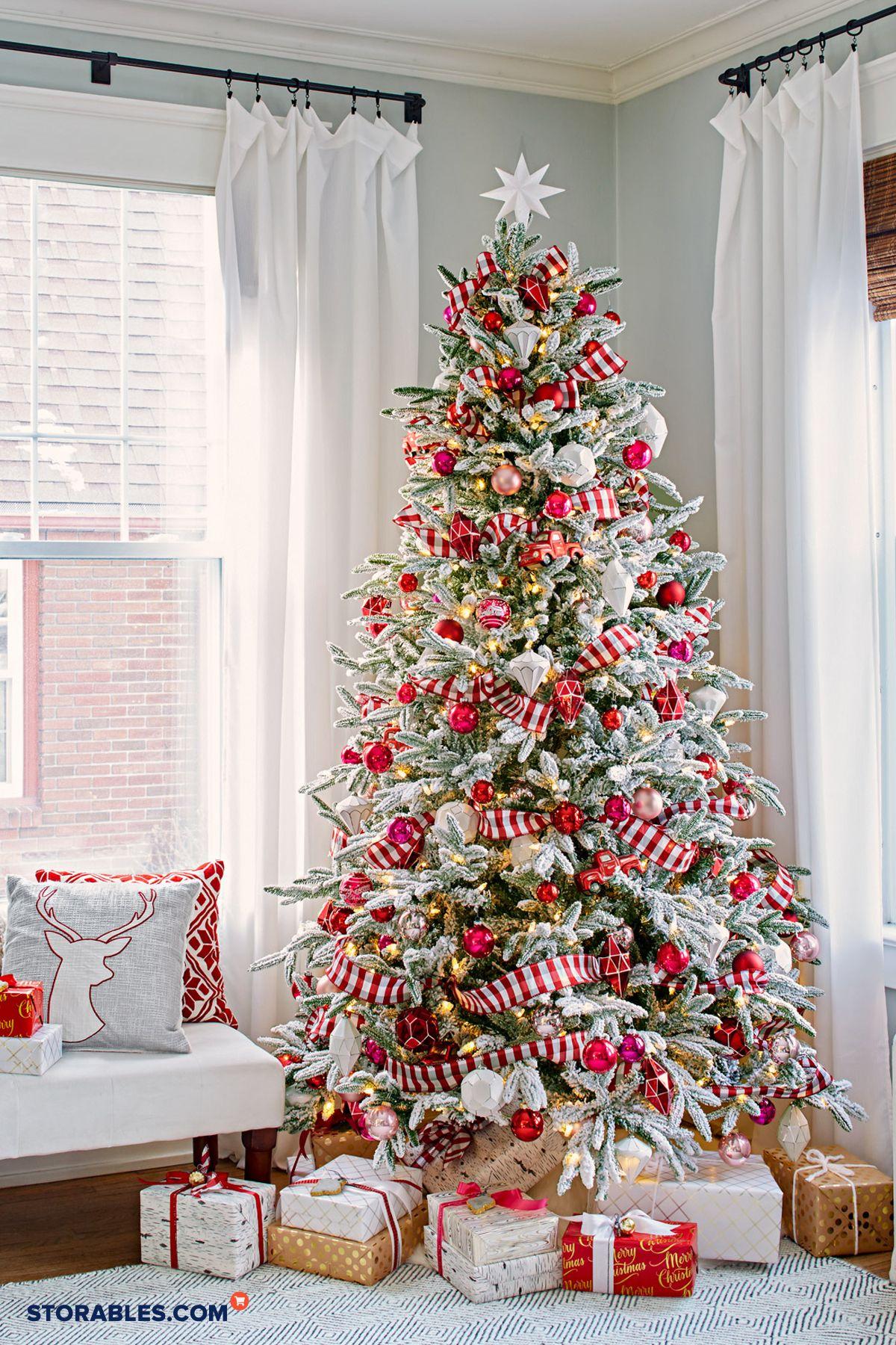 10 Stunning White Christmas Tree Decor Ideas White Christmas Tree Decorations White Christmas Decor Christmas Tree Inspiration